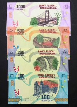 MADAGASCAR 2500 FRANCS 1998 P-81 VILLAGE UNC