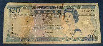 FIJI 10 DOLLARS 2007 P 111 QE II UNC